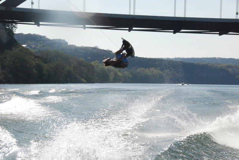 Tom Fooshee riding for the Jake Owen crowd - 360 bridge